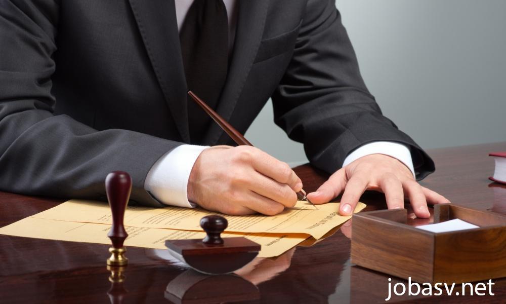 7 Pekerjaan Bagi Kalian Yang Sarjana Ilmu Hukum